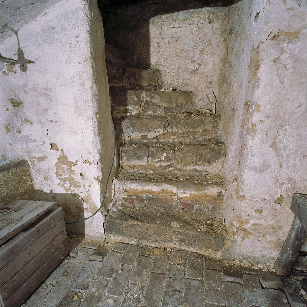 File interieur kelder trap naar boven heerlen for Trap naar boven