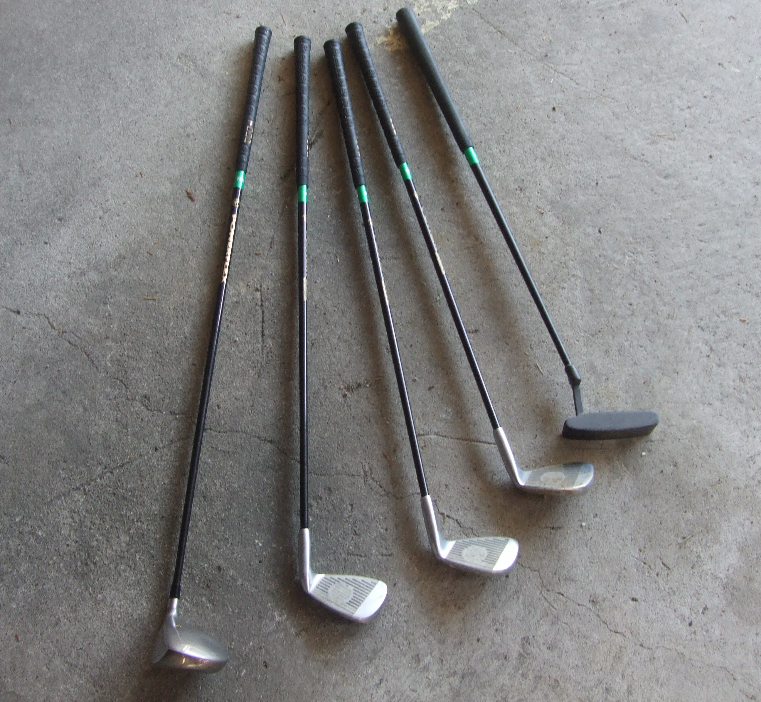 File Junior Left Handed Golf Clubs Jpg Wikimedia Commons