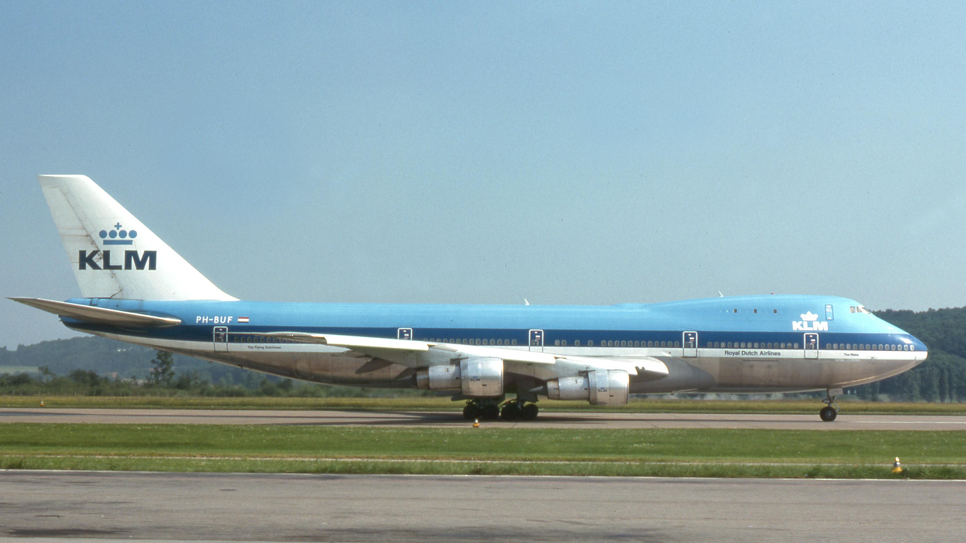 KLM_Boeing_747-200_PH-BUF_(7491686916).j