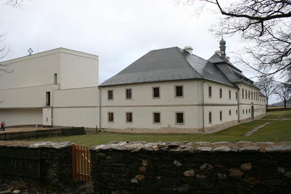 Klášter Nový Dvůr u Toužimi File:klášter Nový Dvůr Okres