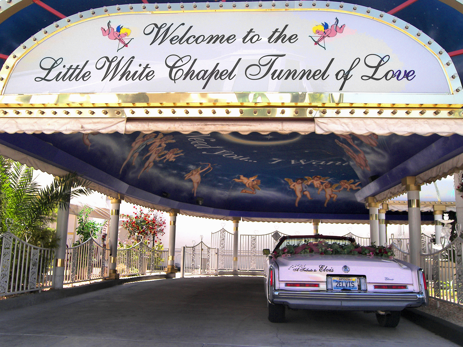 FileLittle White Chapel Drive Thru 2007