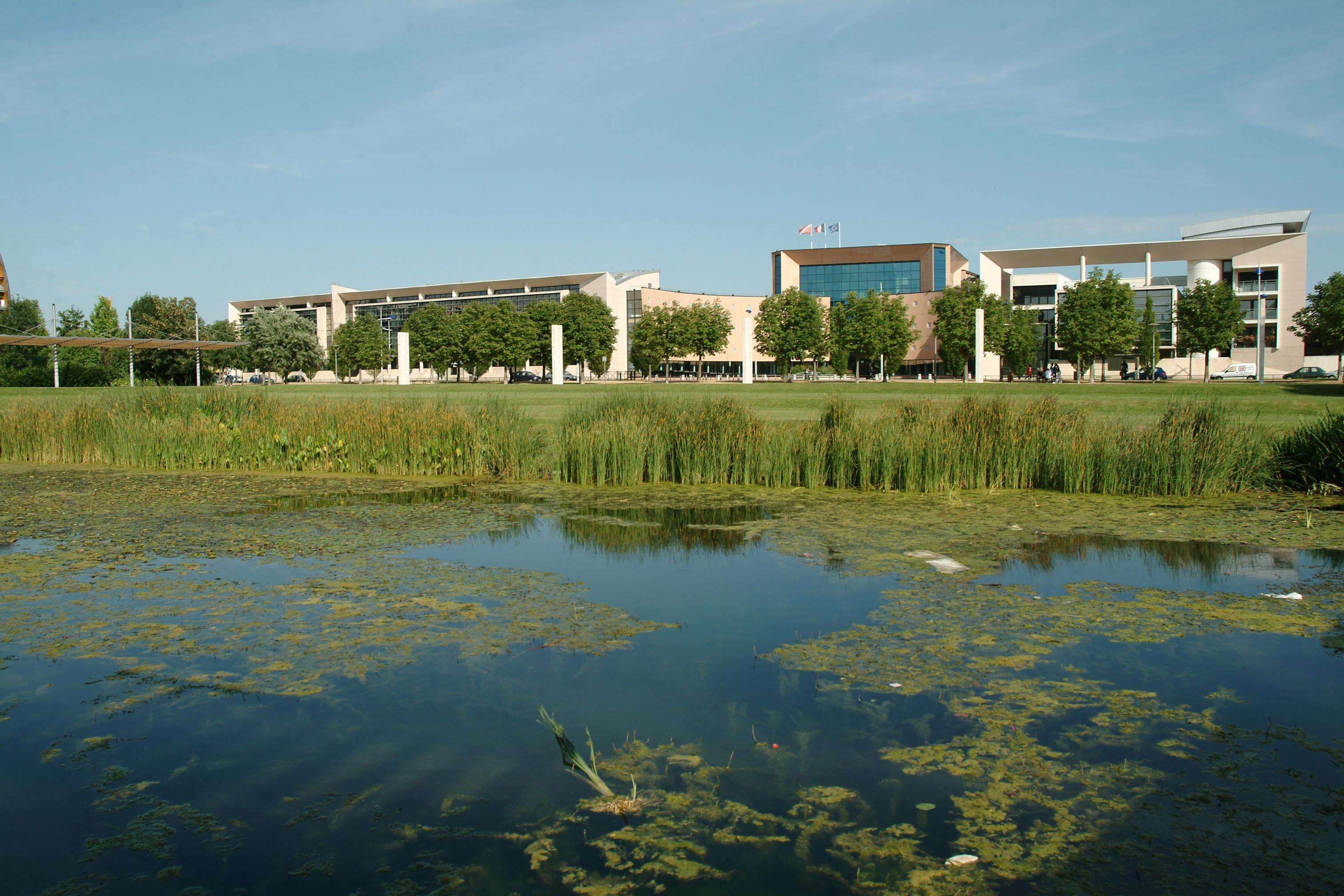 File lyc e marcel rudloff vu du parc des poteries for Parc des expo strasbourg