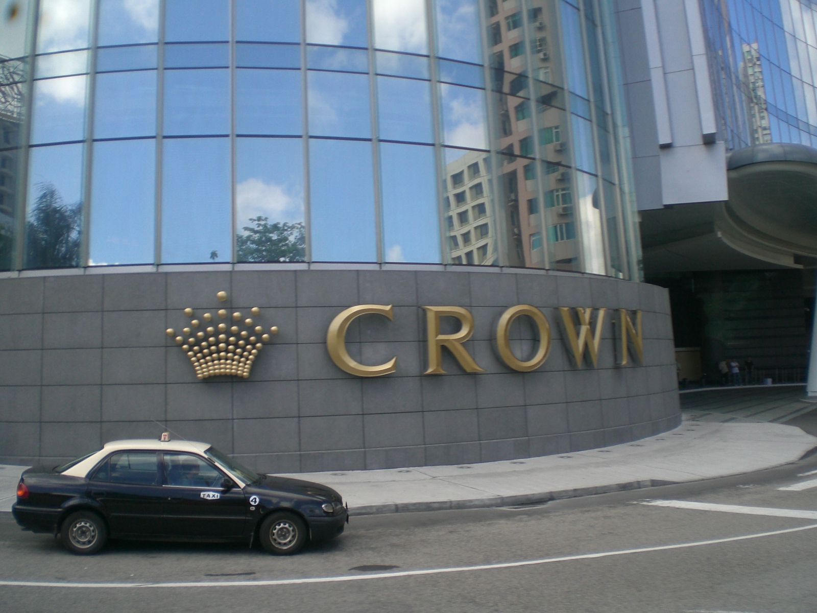 Macau crown casino excalibur 7 in 1 ultimate casino talking slot machine