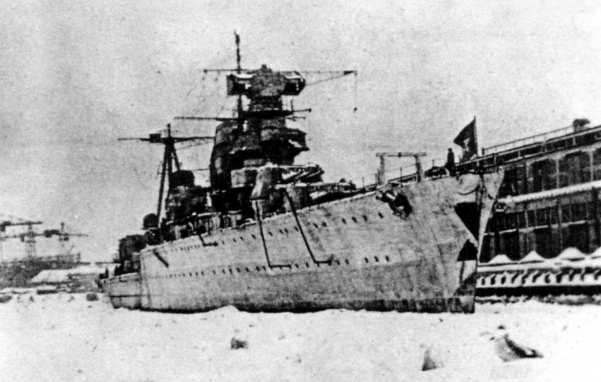 MaksimGor'kiy1941-1942Leningrad.jpg