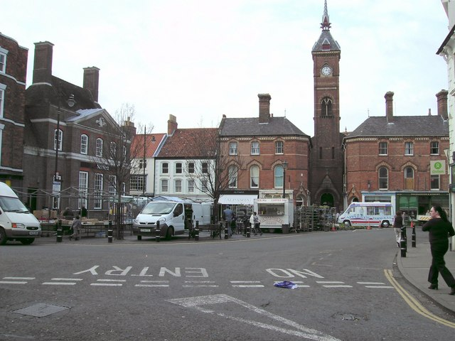 Market Square, Louth - geograph.org.uk - 386017