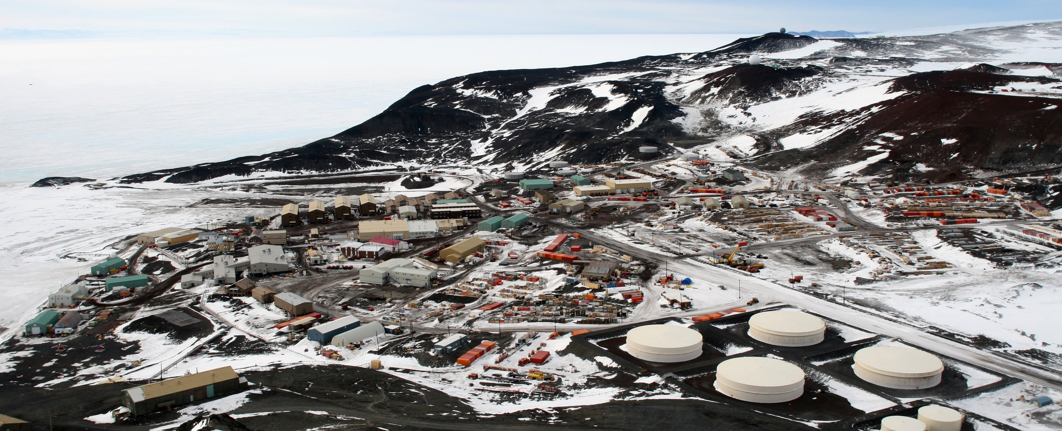 mcmurdo station black dating site As the cut tells us, an american scientist stationed at antarctica's mcmurdo station booted up tinder — that wonderfully sketchy dating app — just for funlo and behold, in one of the iciest.