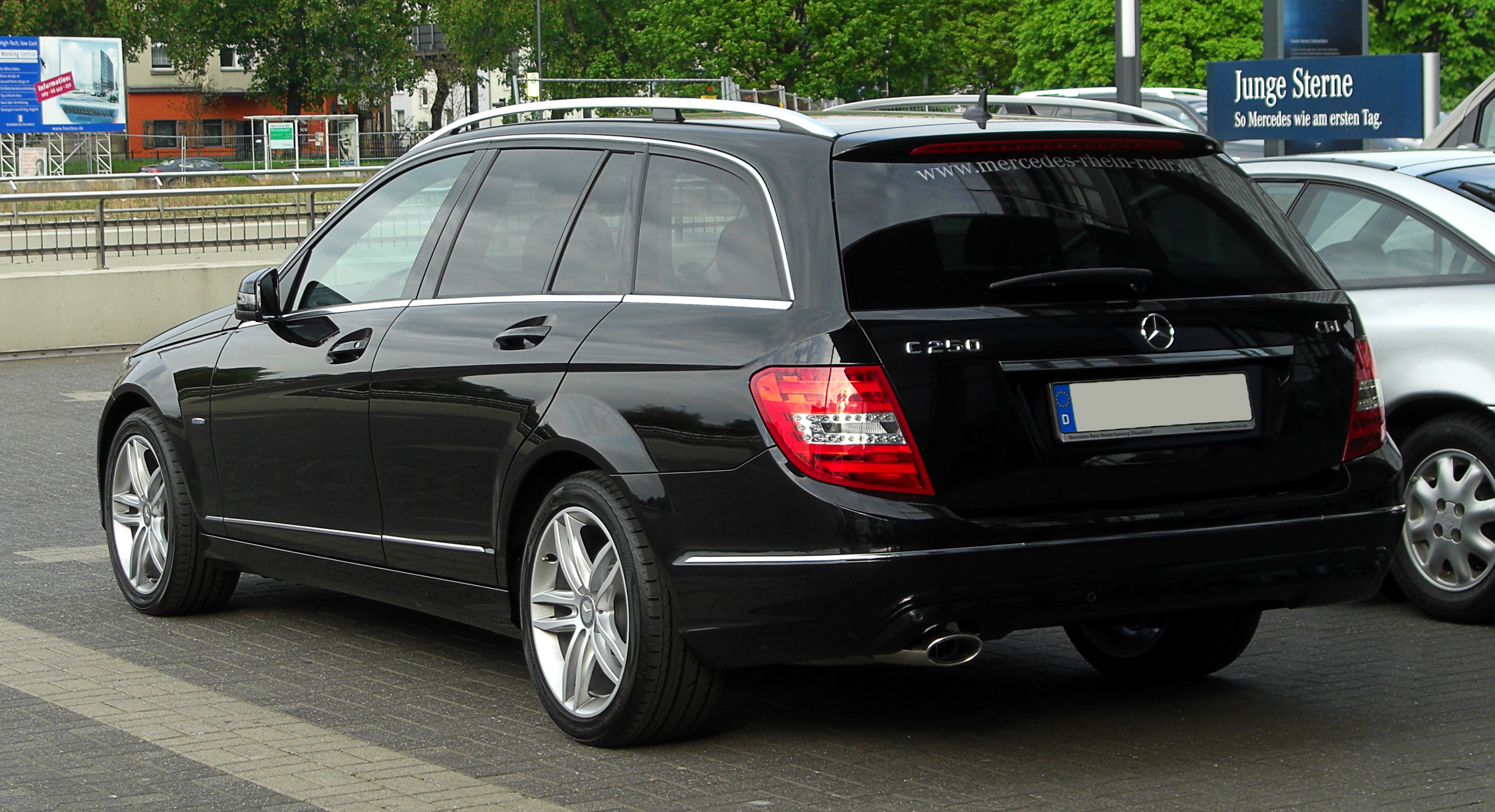 file mercedes benz c 250 cdi blueefficiency t modell avantgarde s 204 facelift heckansicht. Black Bedroom Furniture Sets. Home Design Ideas