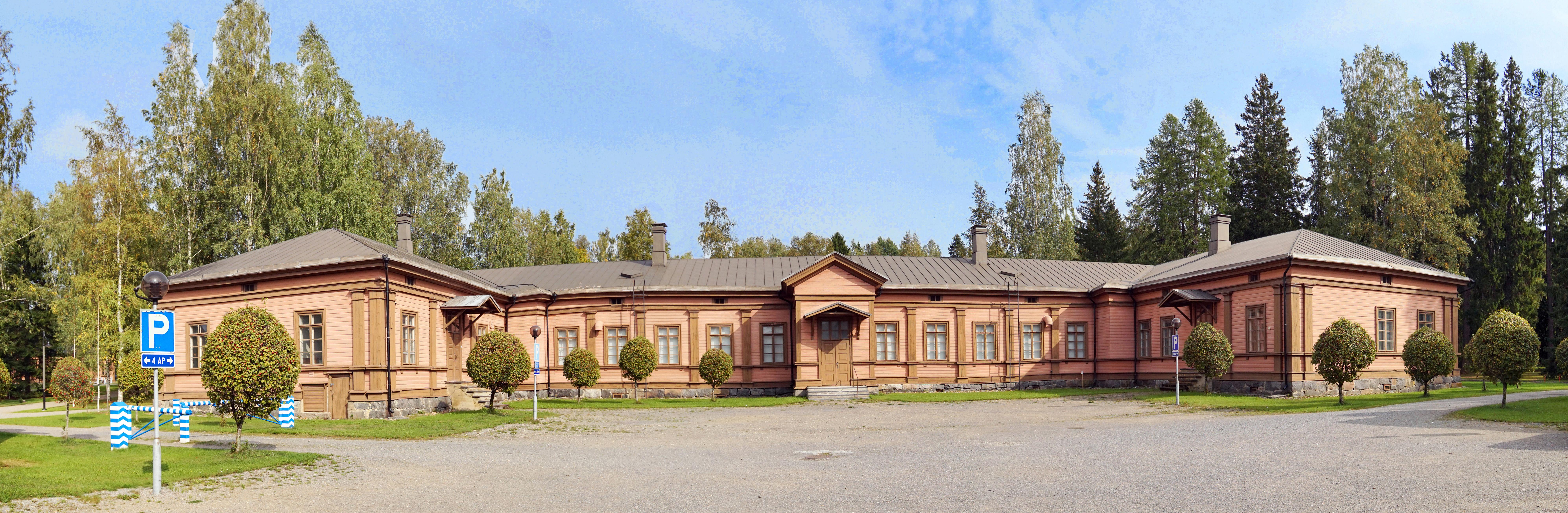 Mikkeli old barracks.jpg