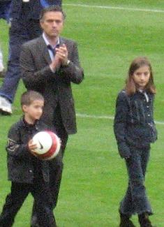 File:Mourinho and children.JPG