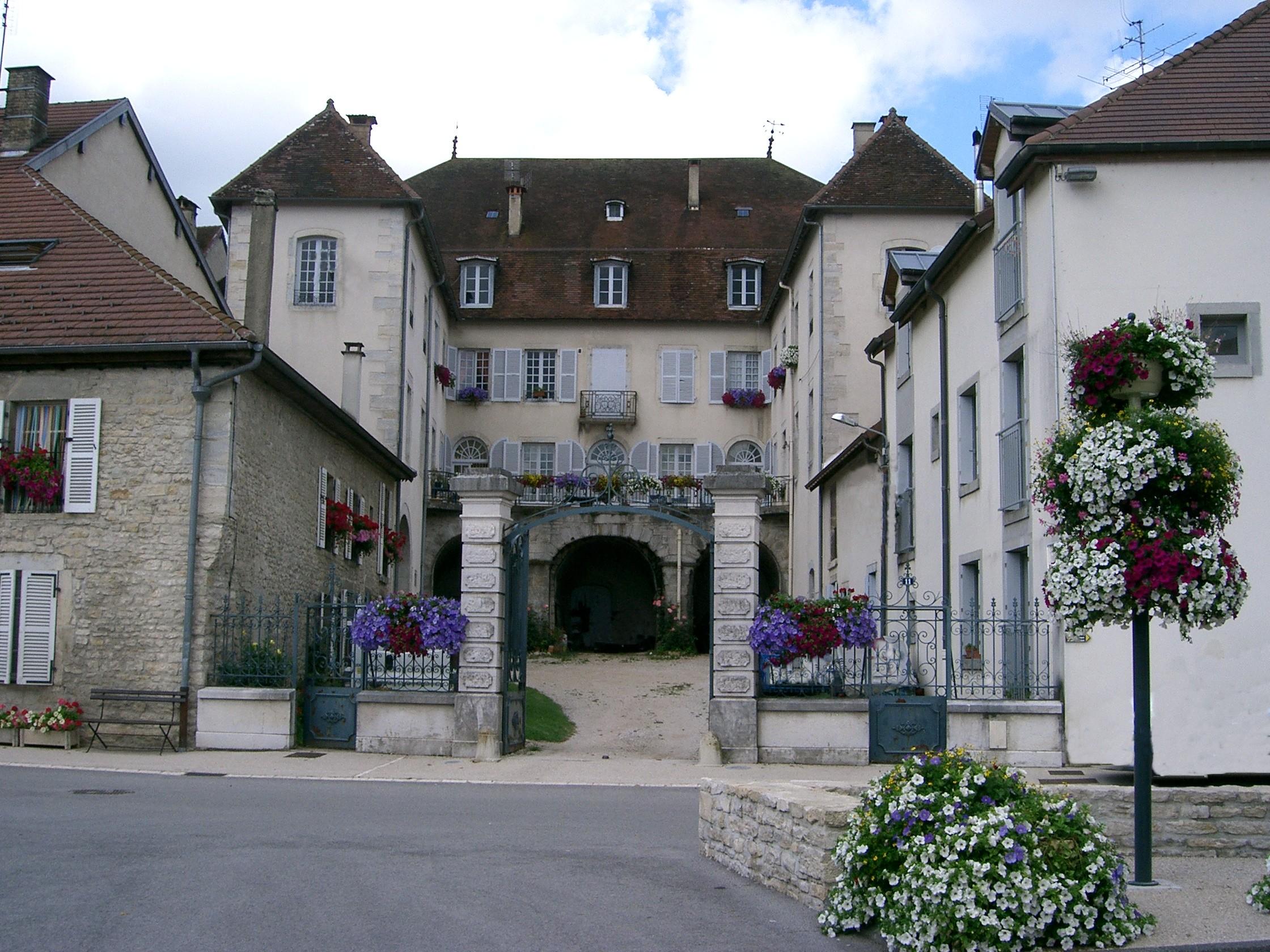 File orgelet vieille demeure jpg wikimedia commons - Plus belle maison de france ...