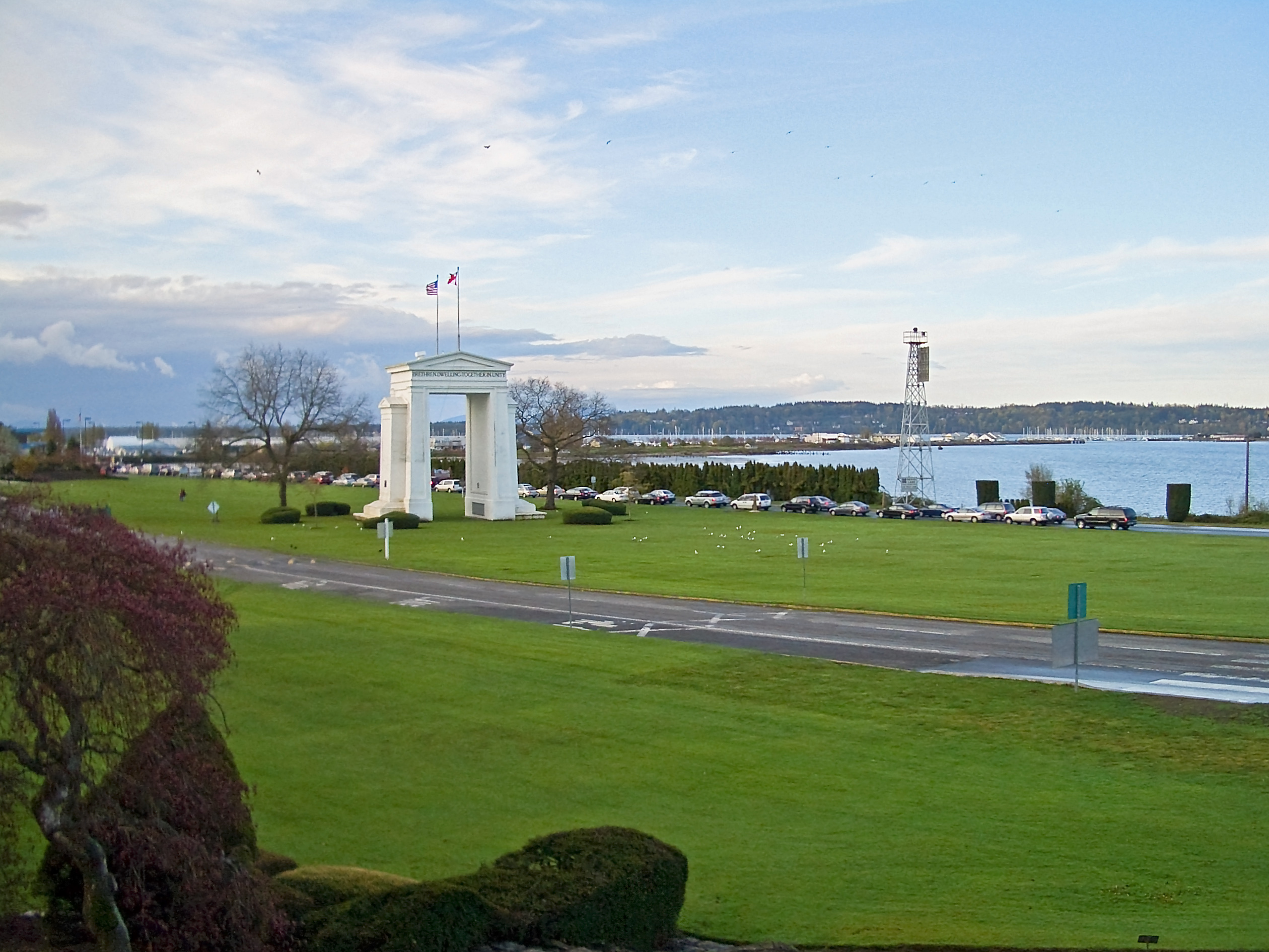 Peace Arch Park - Wikipedia