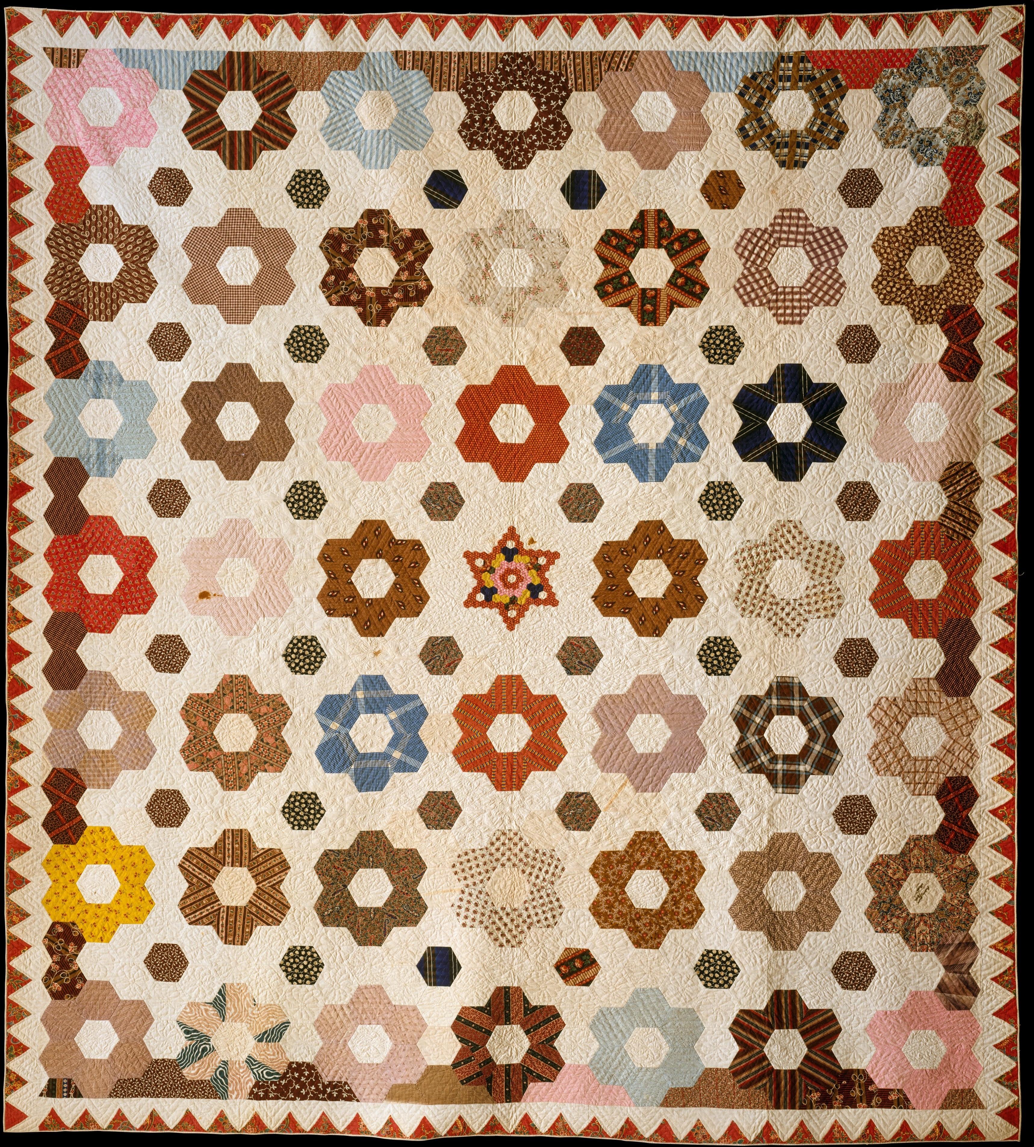 File:Quilt, Hexagon or Honeycomb pattern MET DT1817.jpg ... : honeycomb quilt - Adamdwight.com