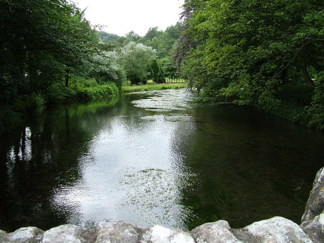 River Wye at Ashford in the Water - geograph.org.uk - 244043