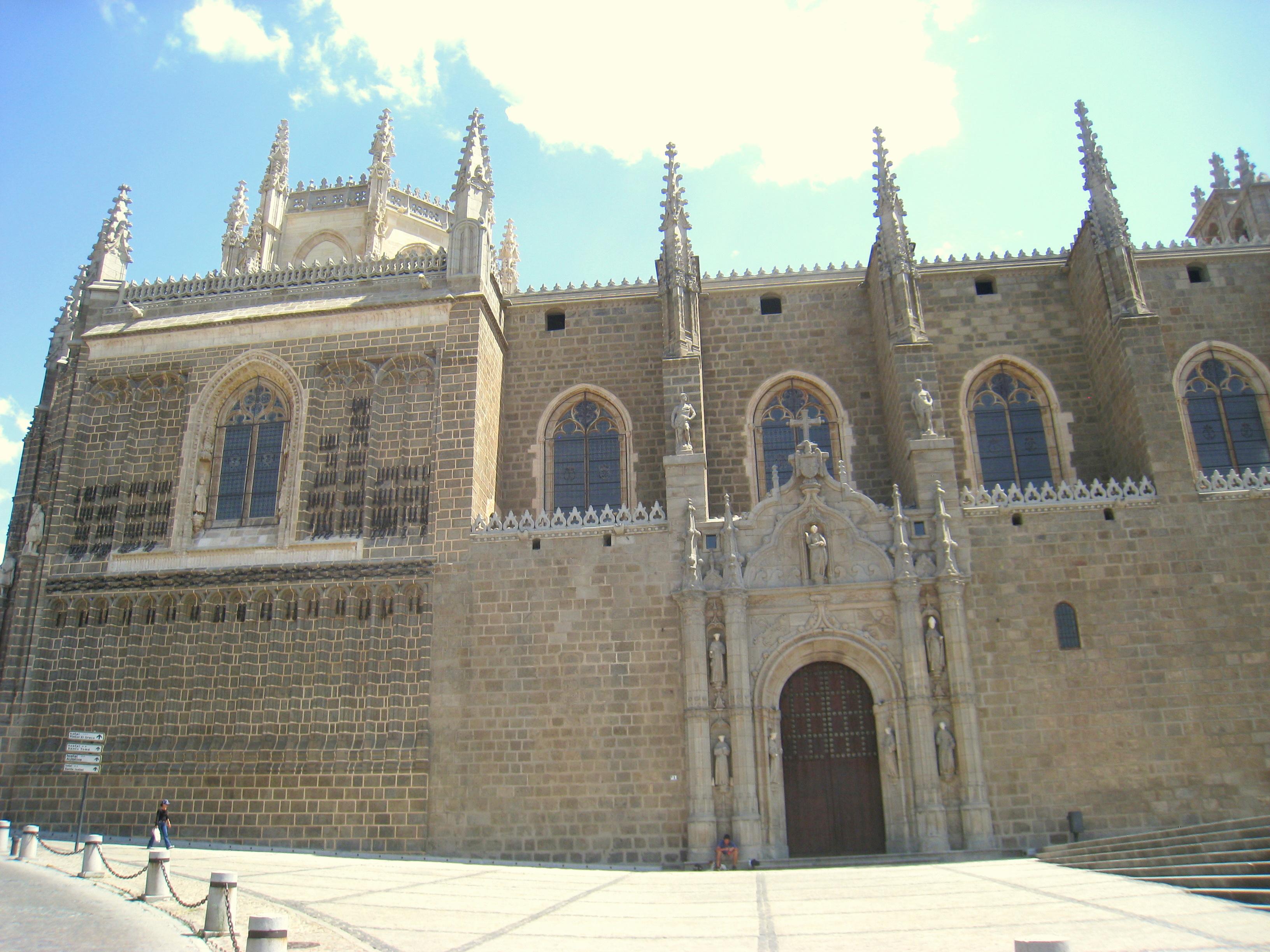 File:San Juan de los Reyes - Toledo, Spain - 01.JPG ...