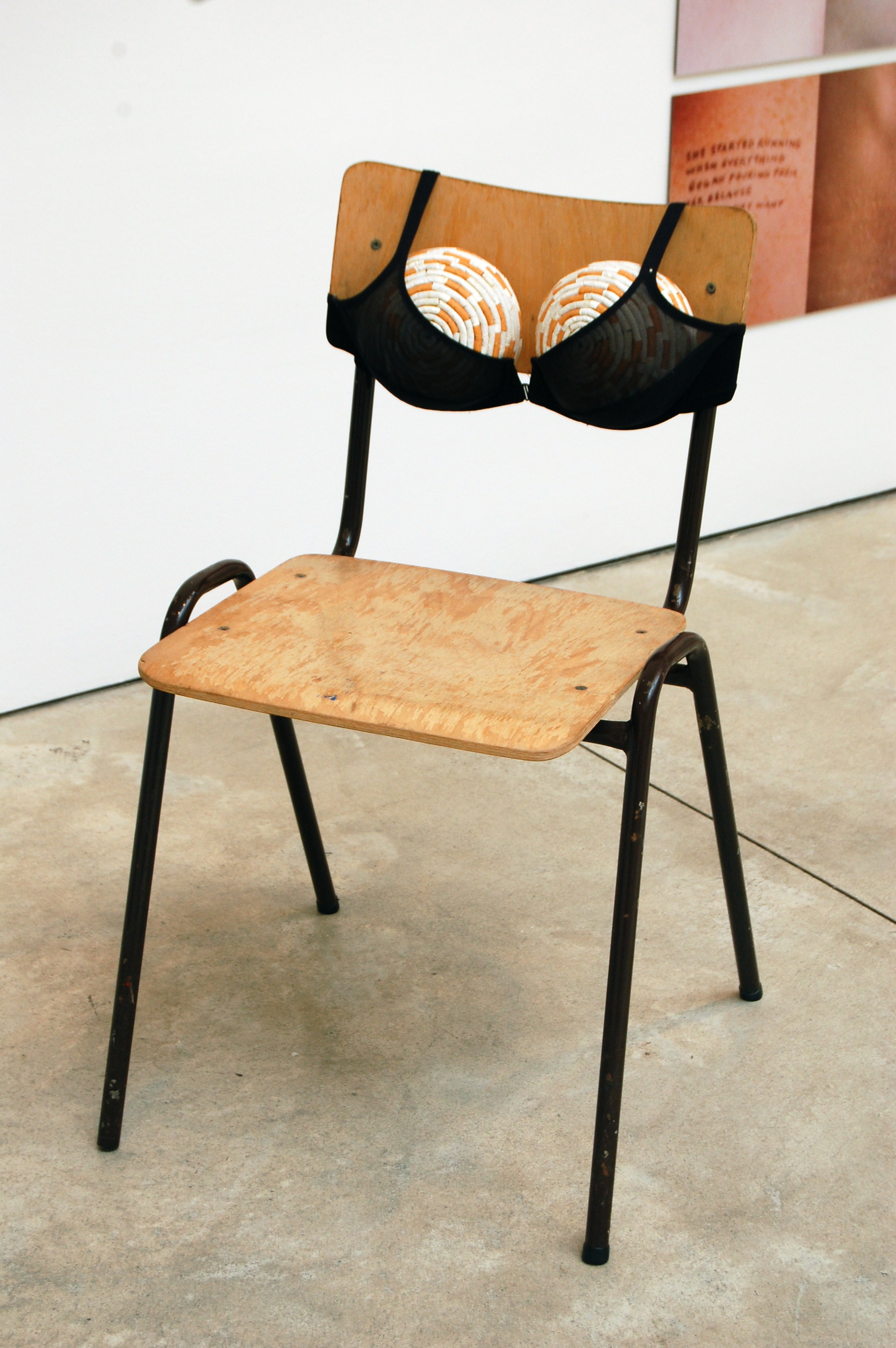 File:Sarah Lucas, Cigarette T s II (Idealized Smoker's Chest II), 1999.jpg  - Wikimedia Commons