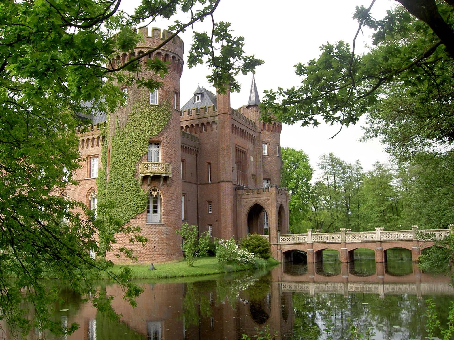 Datei Schloss Moyland Bruecke Jpg Wikipedia