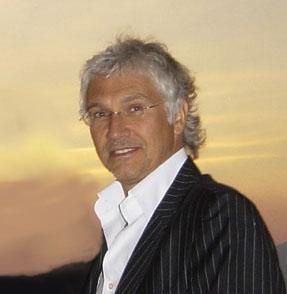 http://upload.wikimedia.org/wikipedia/commons/b/bb/Serge_perathoner.jpg