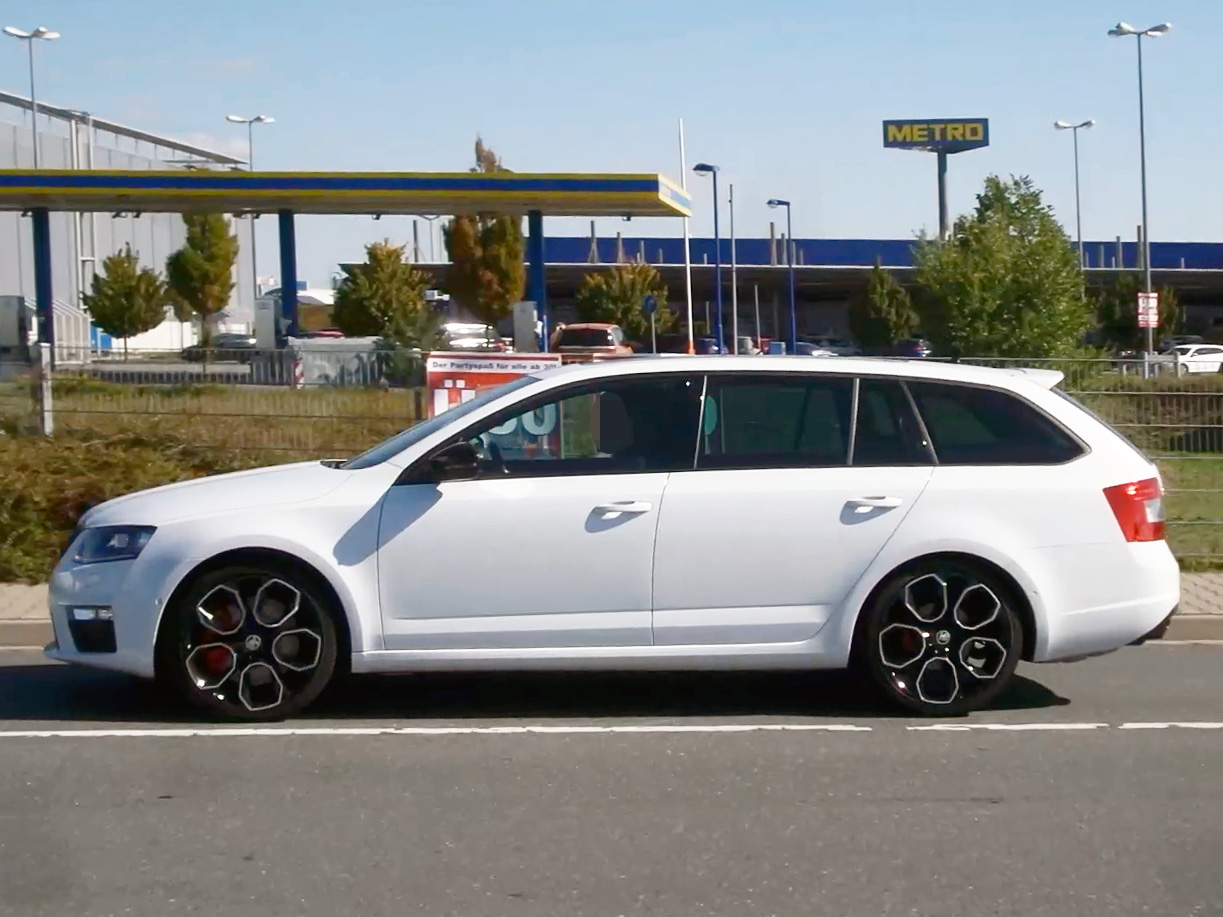 file skoda octavia rs 230 wikimedia commons. Black Bedroom Furniture Sets. Home Design Ideas