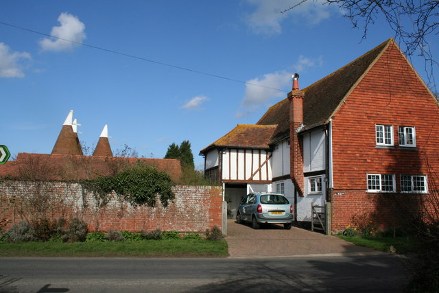 The Barn and Poplar Farm Oasts, Barnes Street, Kent - geograph.org.uk - 351454