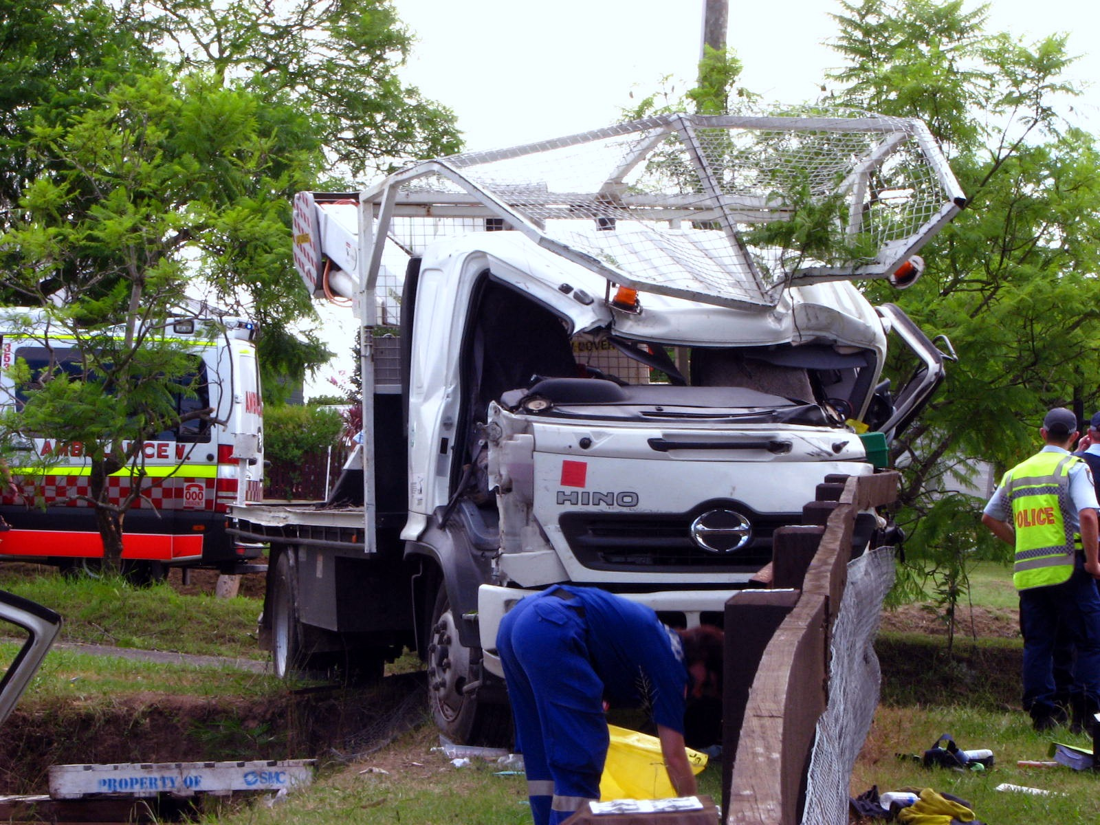 File:The wrecked Hino truck - Flickr - Highway Patrol Images (1) jpg
