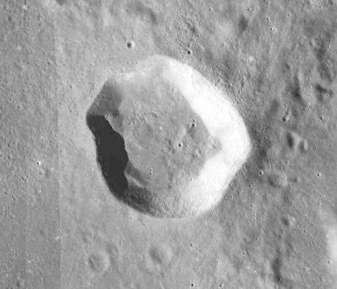 Theaetetus - LROC - WAC.JPG
