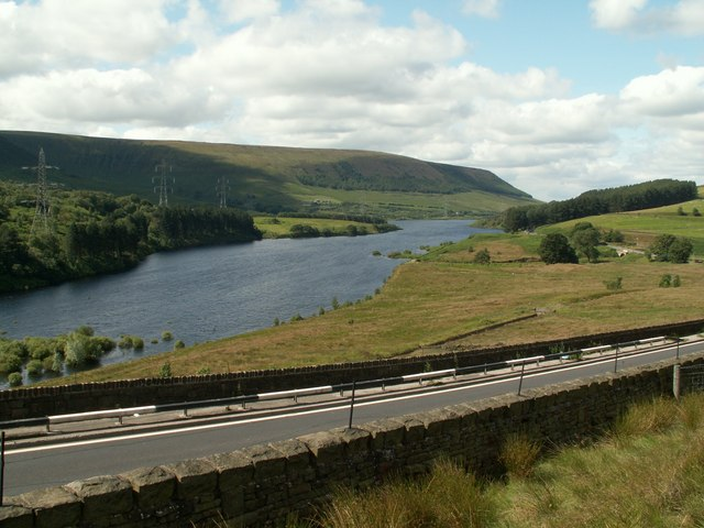 Torside Reservoir - geograph.org.uk - 883002