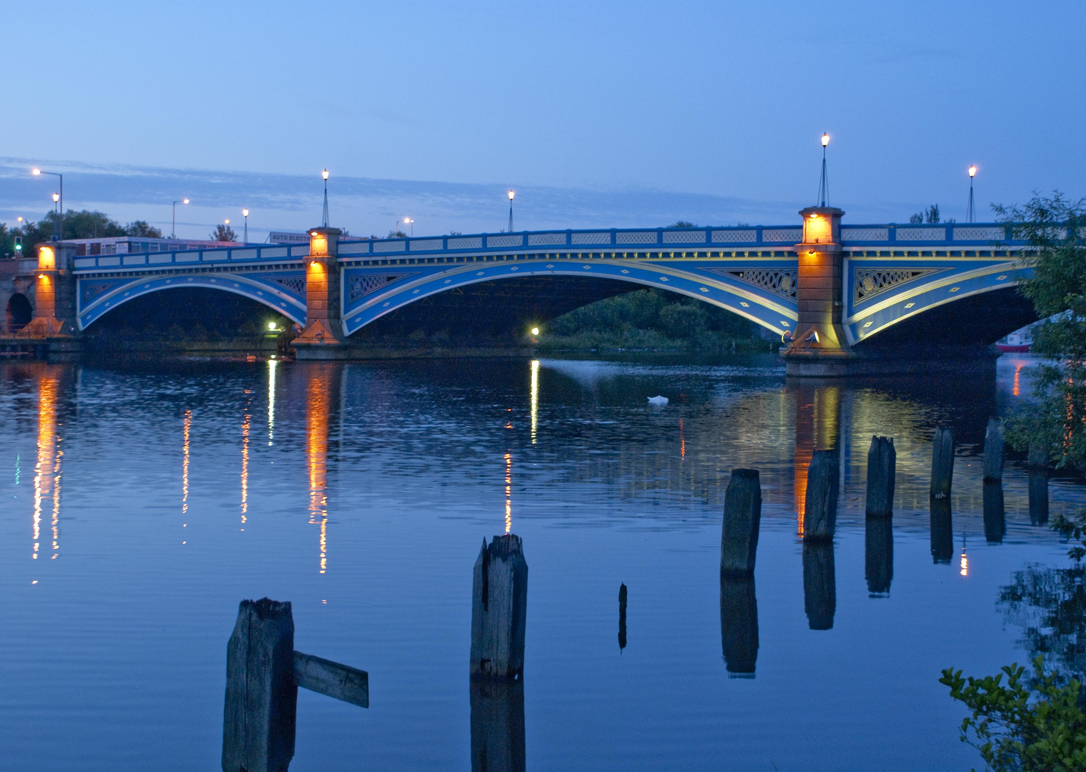 Victoria Bridge - lvm15.jpg