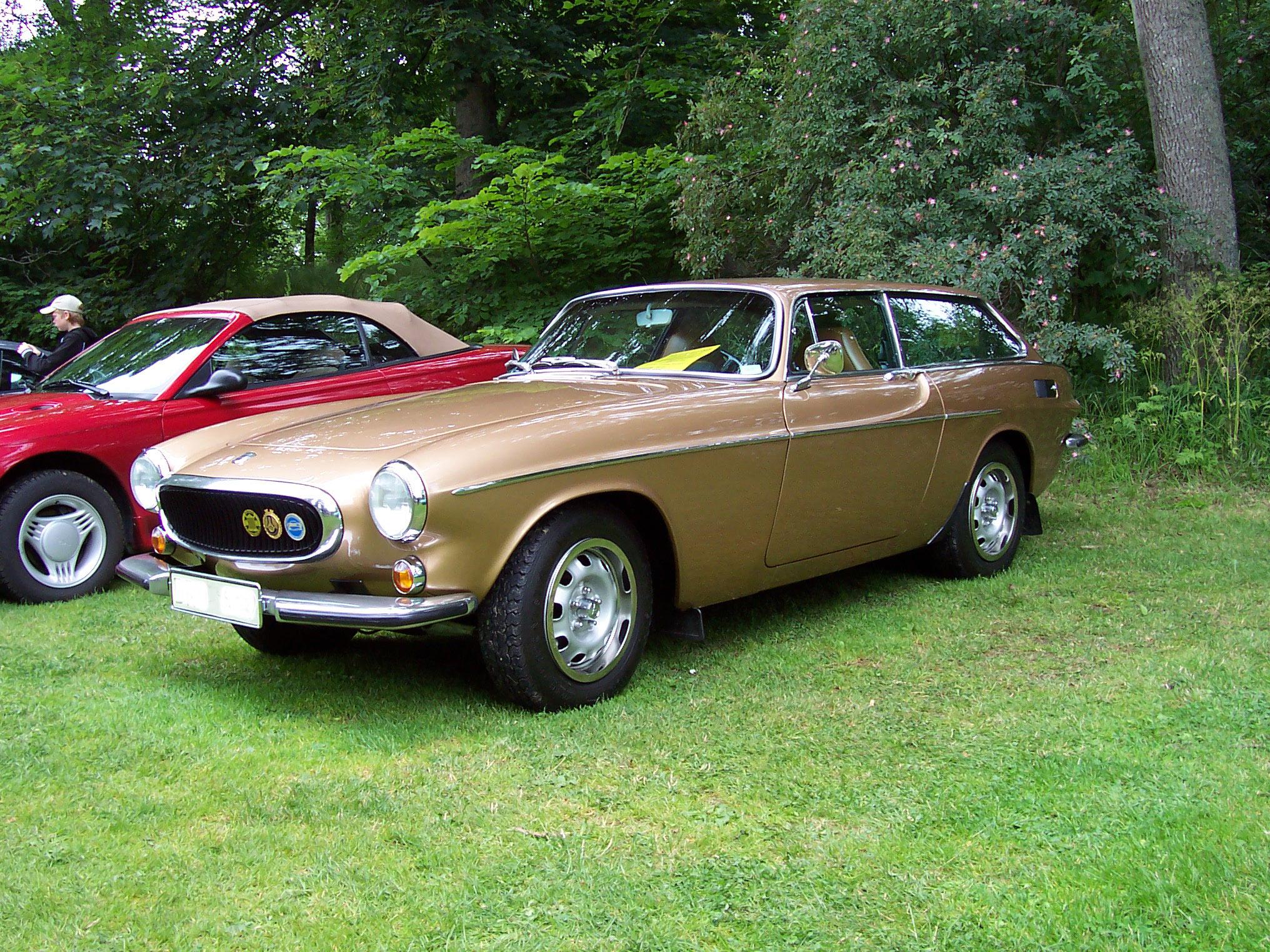 File Volvo 1800es Gold Jpg Wikimedia Commons