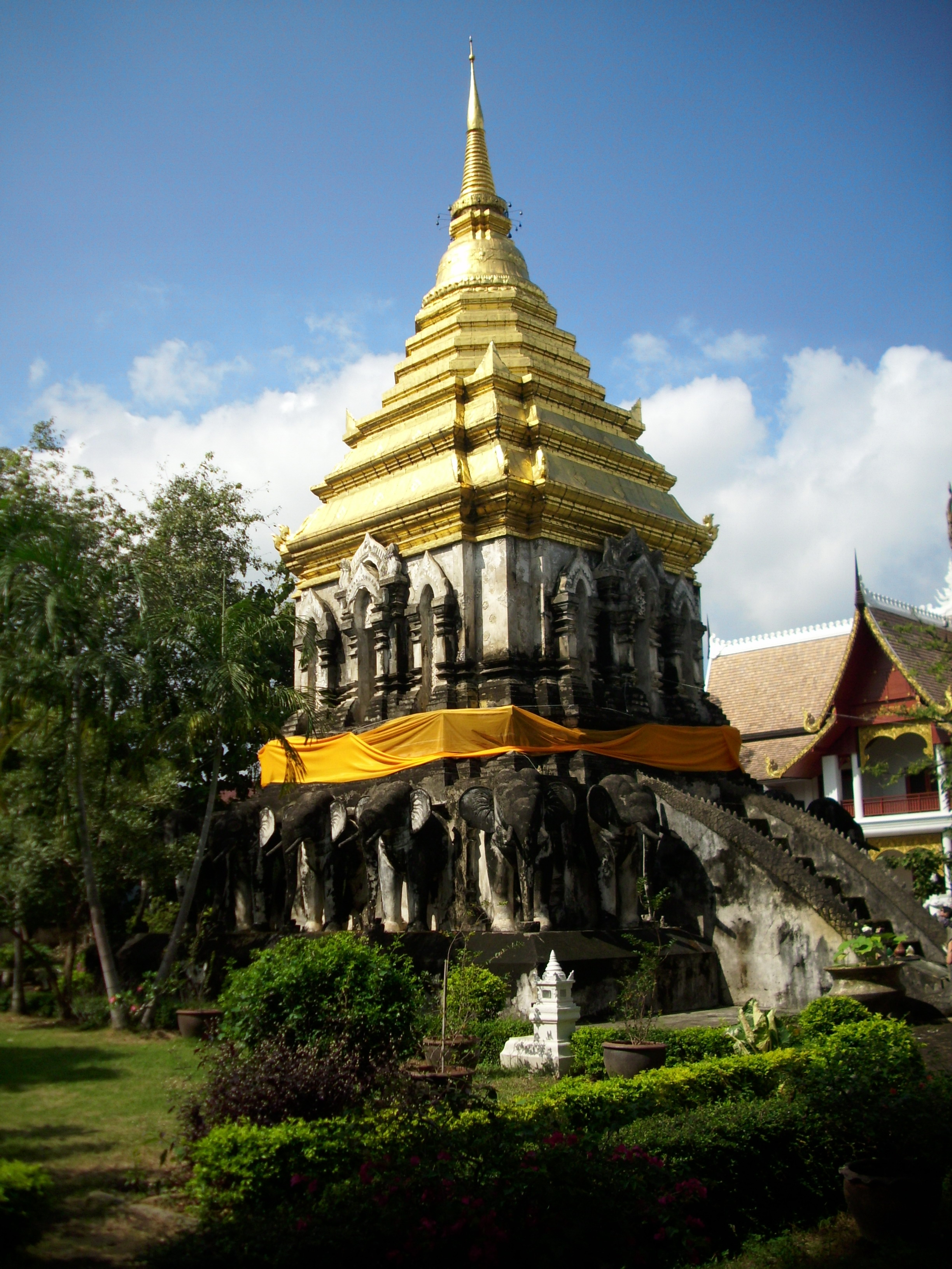 Wat Chiang Man Opening Hours images
