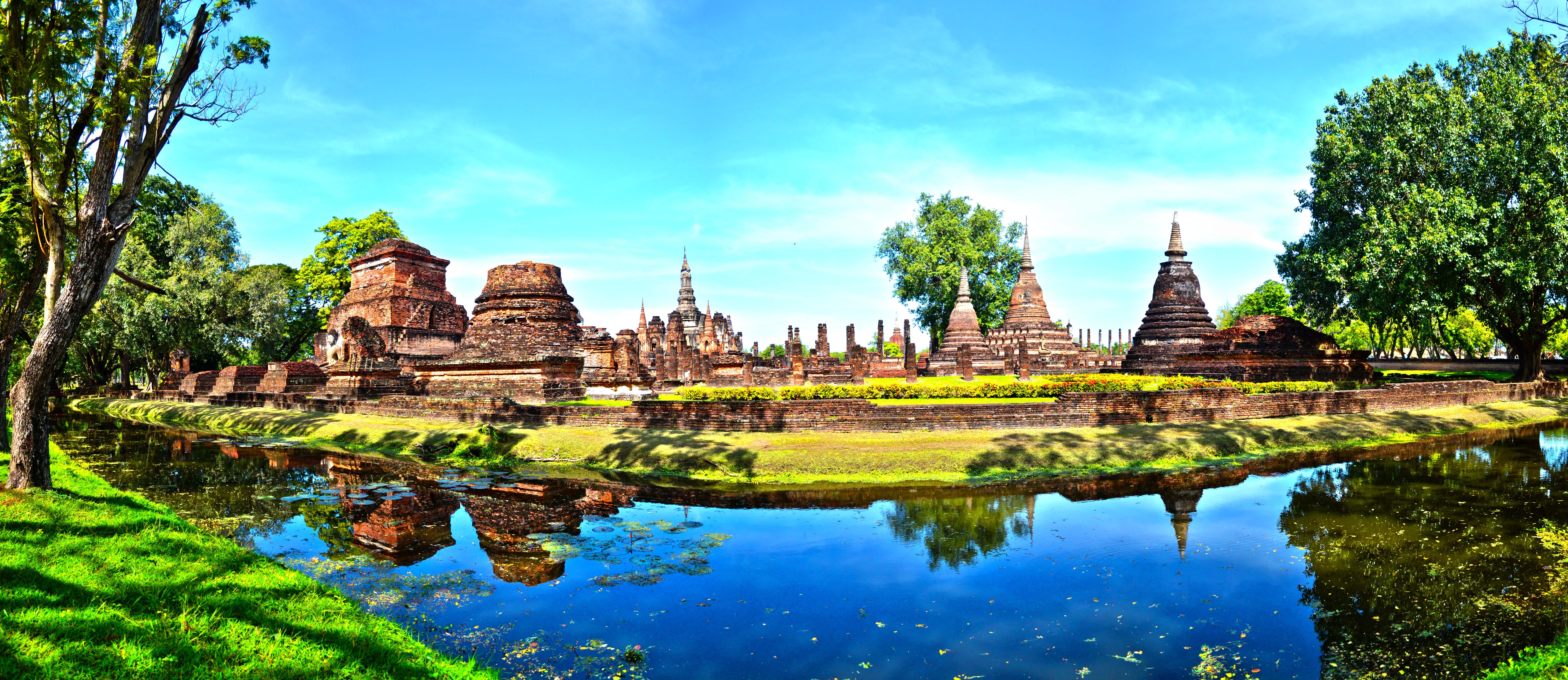 File:Wat Mahathat,Sukhothai Province.jpg - Wikimedia Commons