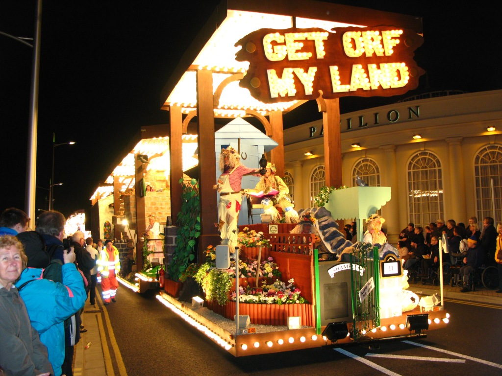 file weston super mare carnival 2011 shambles cc get orf my land jpg