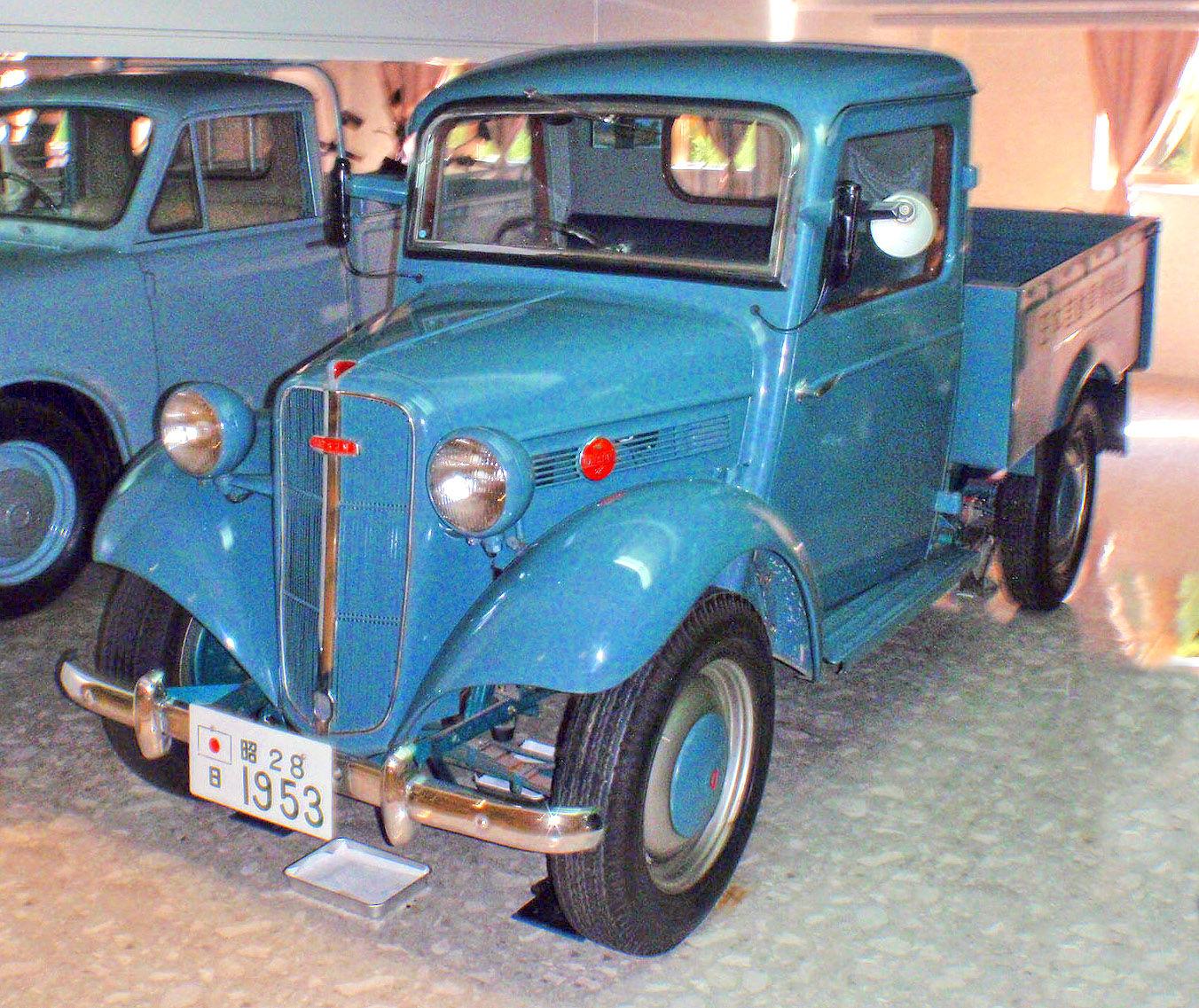 File:1953 Datsun 6147 Truck.jpg