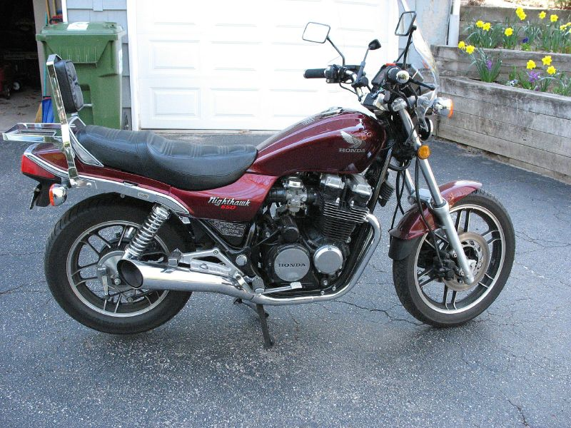 Description 1983 Honda 650 Nighthawk.jpg