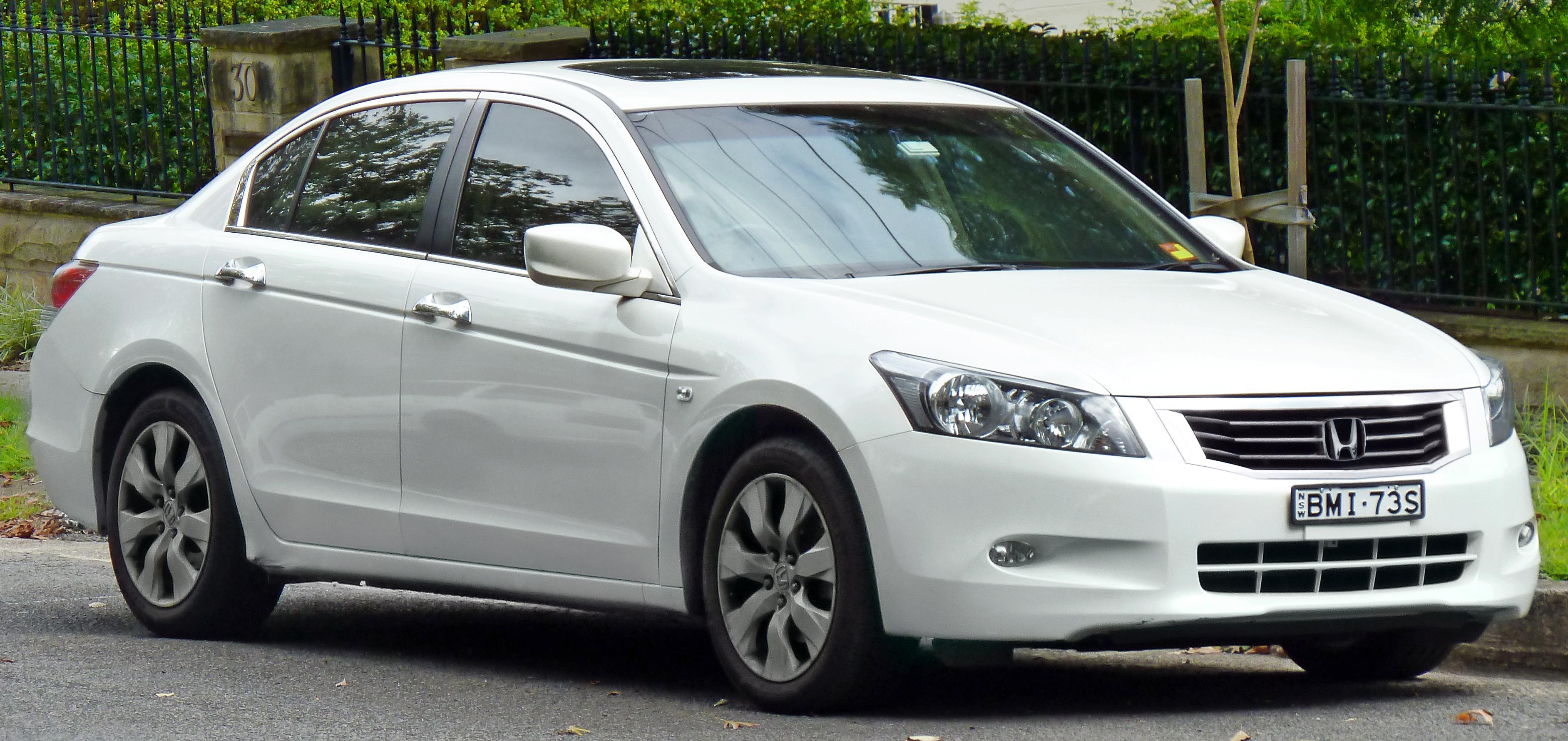 File2008 2011 Honda Accord VTi L Sedan 04