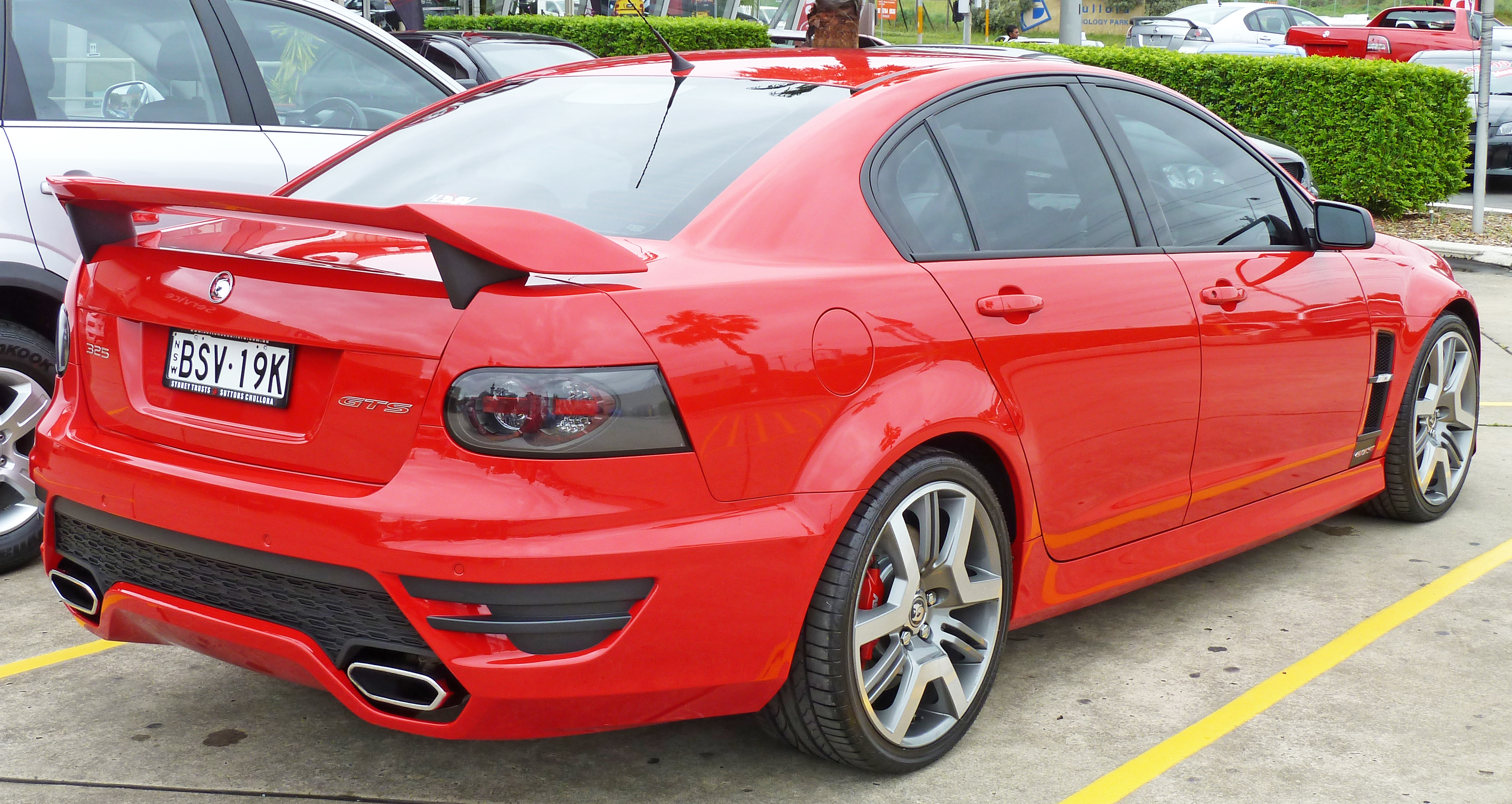 file2010 hsv gts e series 2 my10 sedan 02jpg