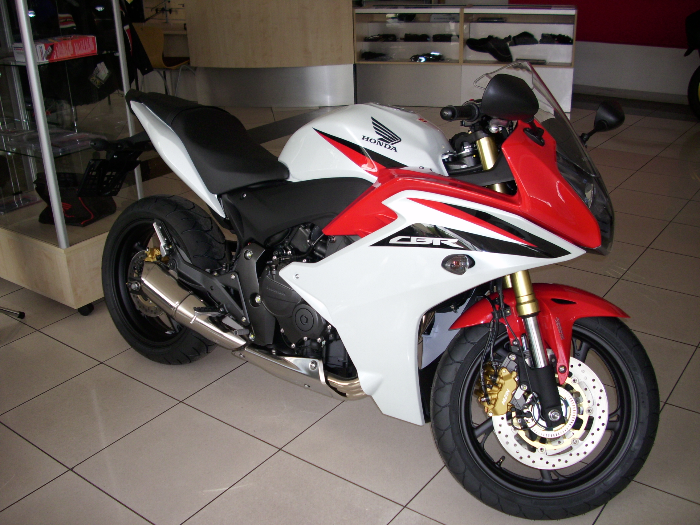 File 2011 Honda Cbr 600f Jpg Wikimedia Commons