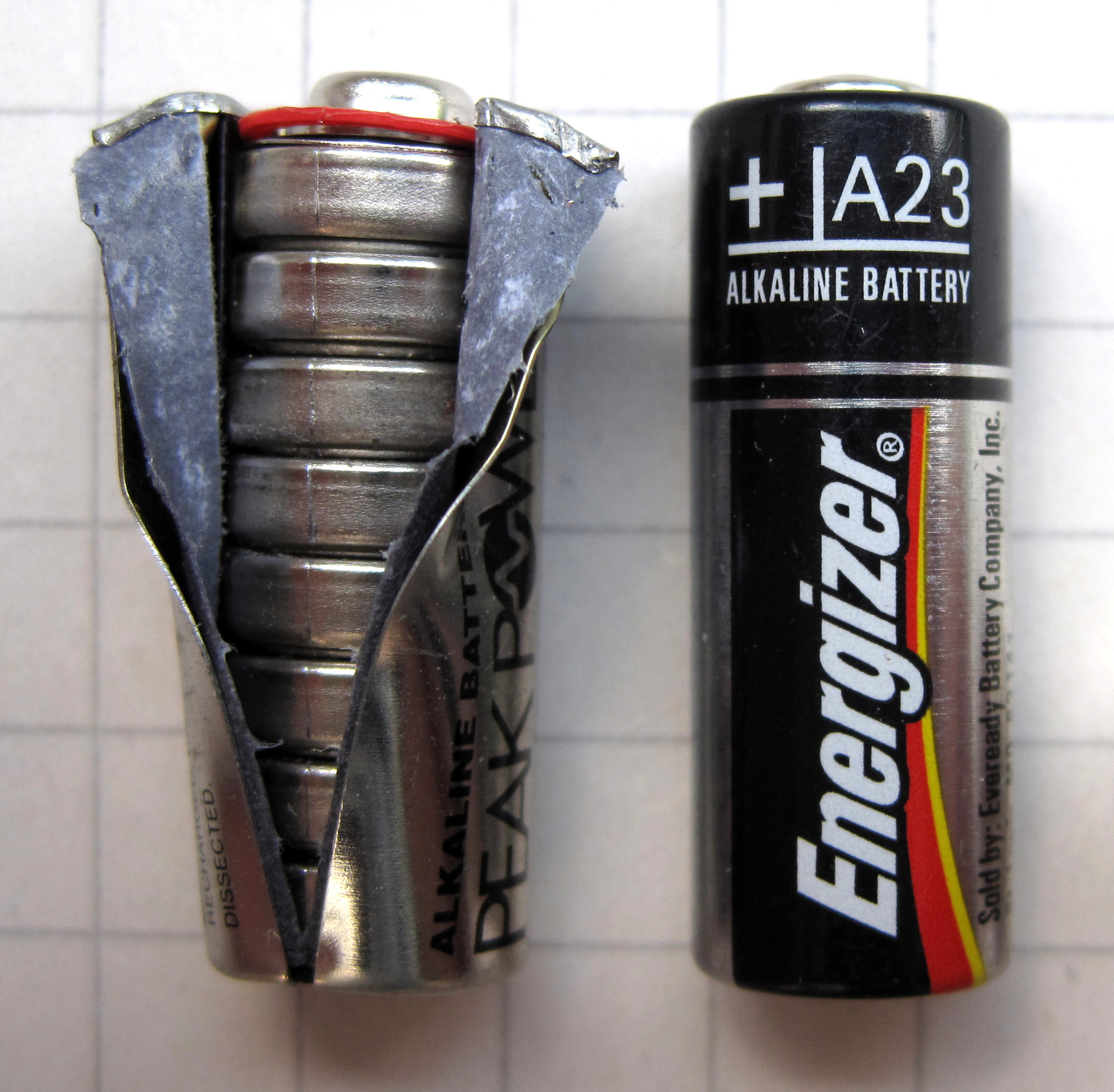 Carefully Peel A 9V Battery To Find Smaller Batteries
