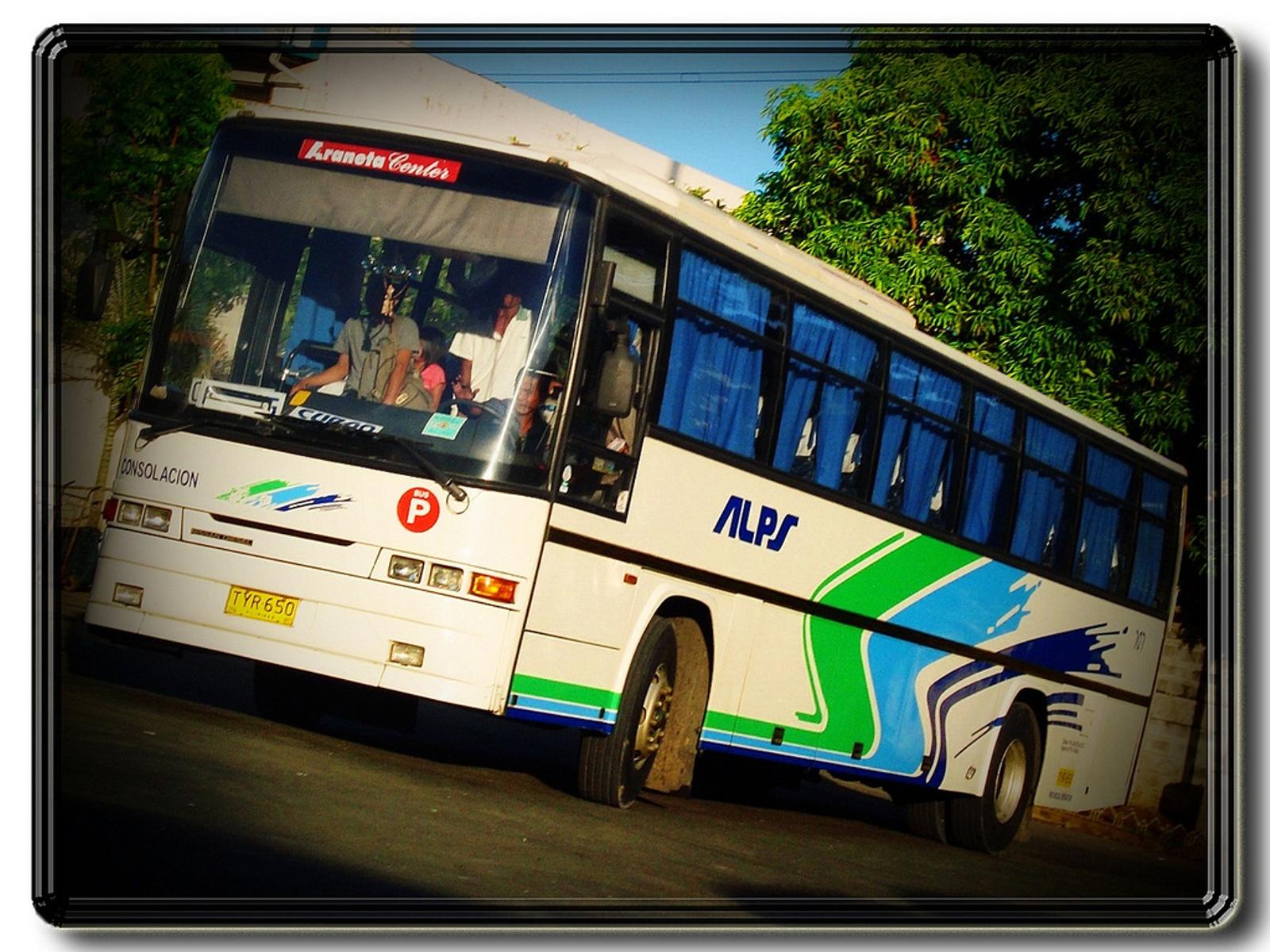 File:ALPS The Bus, Inc. - Nissan Diesel SR Euro - 707 a.k.a.