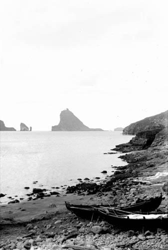 File:Bøur, Tindhólmur 1899.jpg