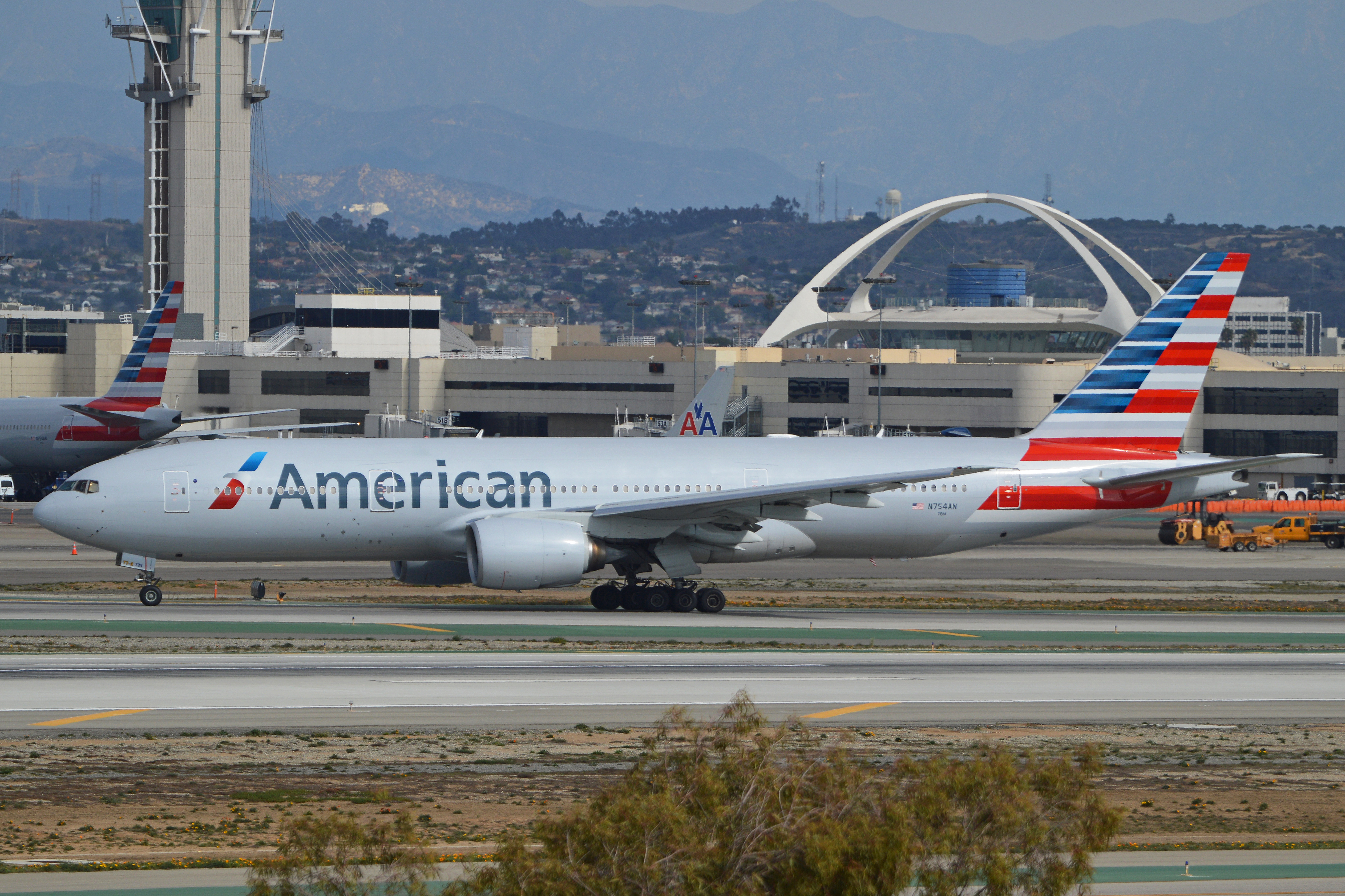 An American Airlines Boeing N America Flying To Philly American Airlines And Japan