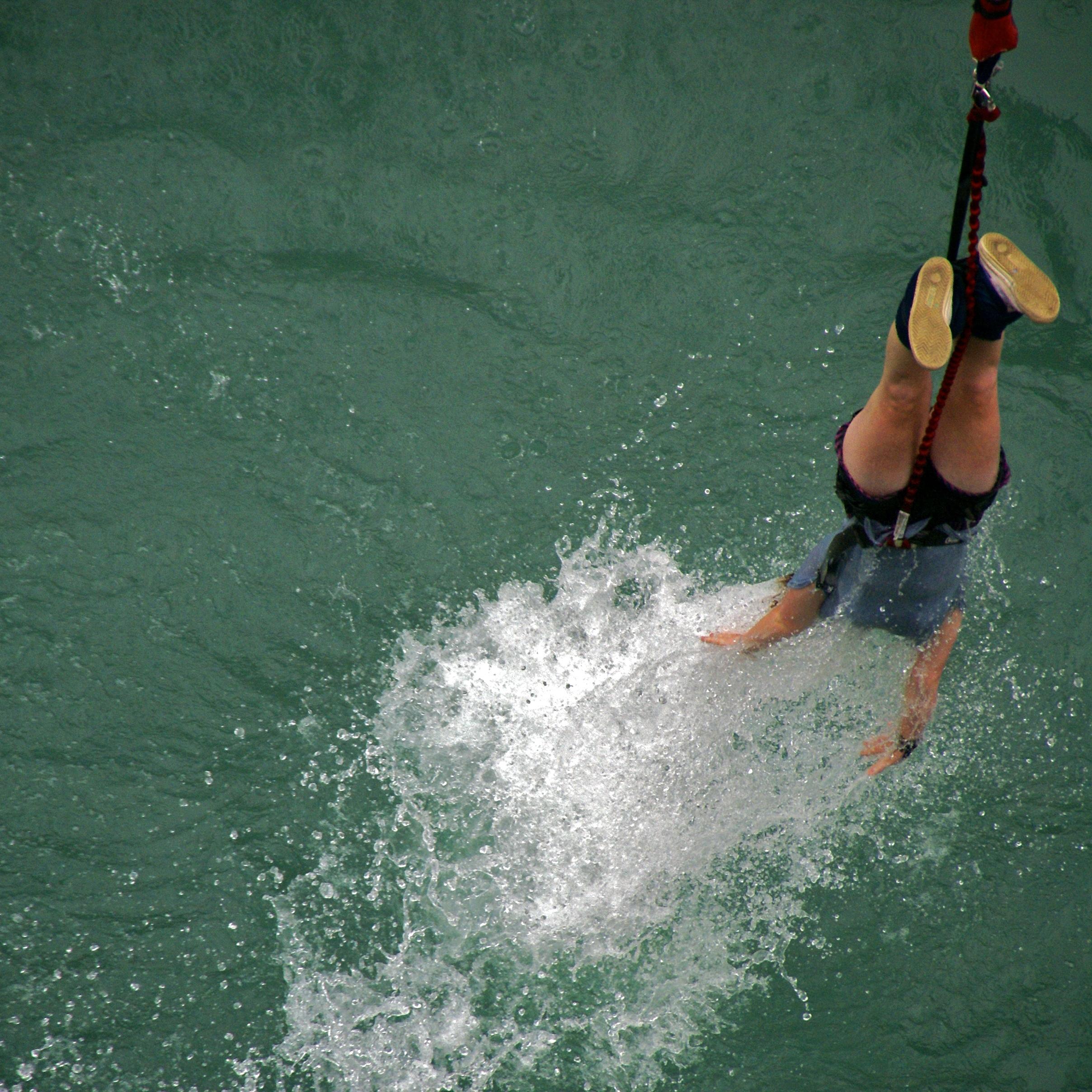 Description Bungee Jumping Kawarau Bridge New Zealand Jan