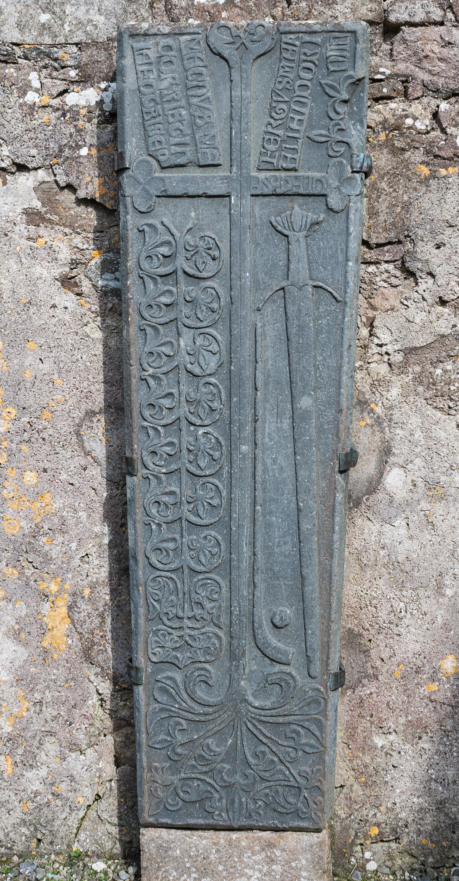 Granite Grave Slabs : Irish grave slab hurley sliotar and sword health