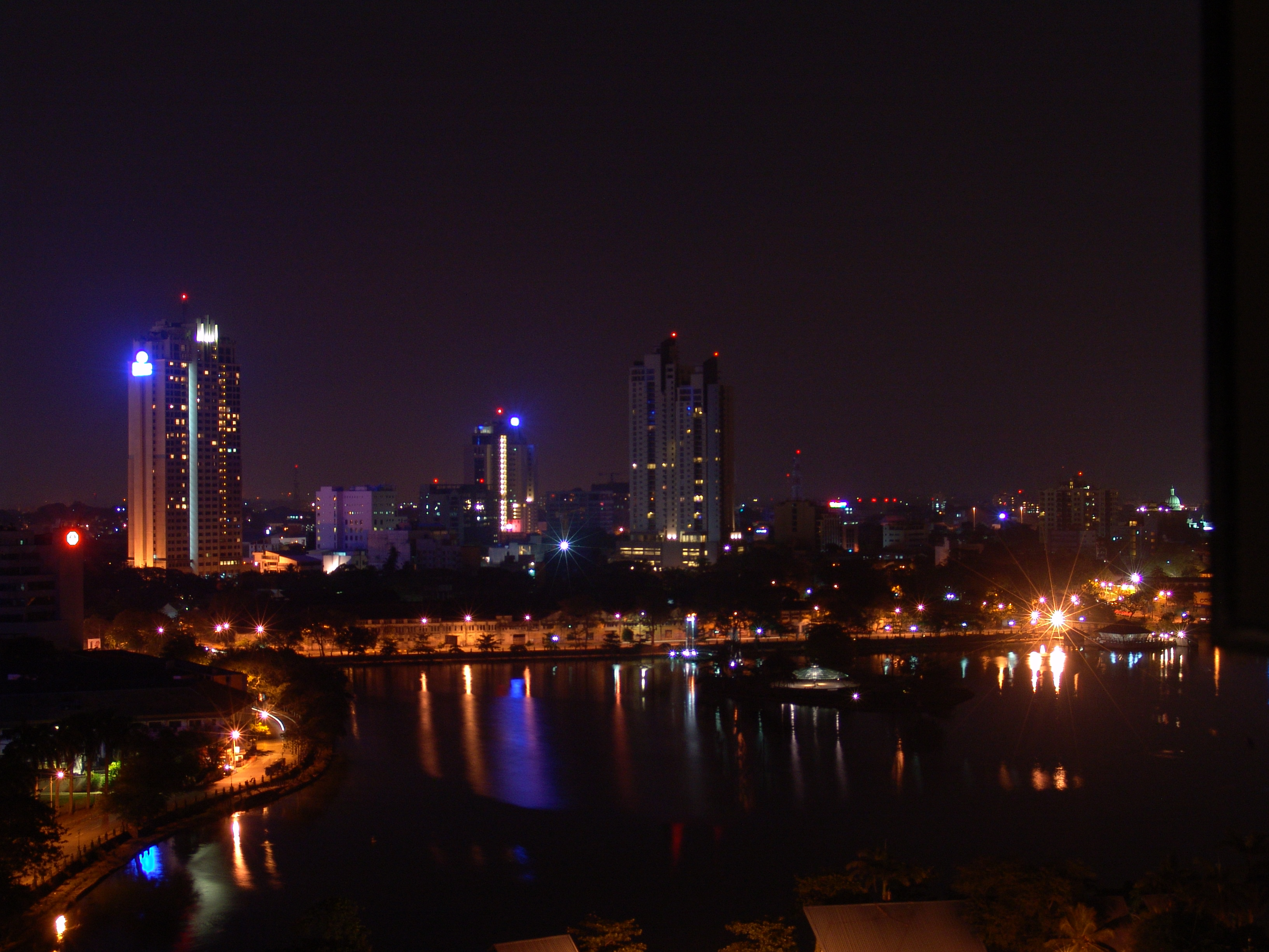 Colombo at night