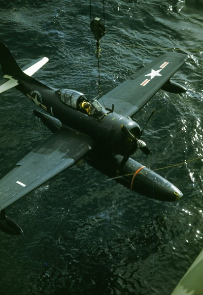 File:Curtiss SC-1 Seahawk is craned aboard USS Manchester (CL-83), circa in 1947.jpg
