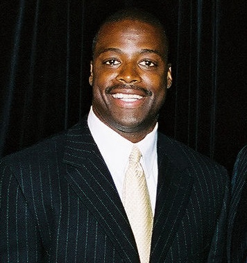 File:Darrell Green at Dept of Education event, cropped.jpg