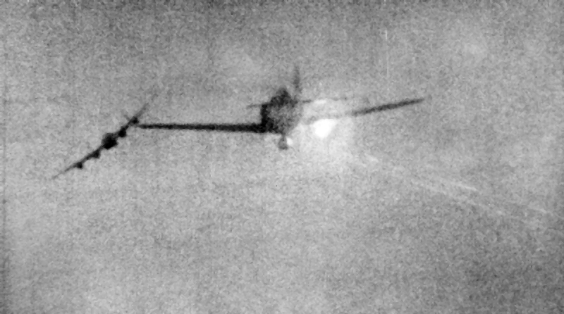 Fw_190D_shot_down_while_attacking_Lancas