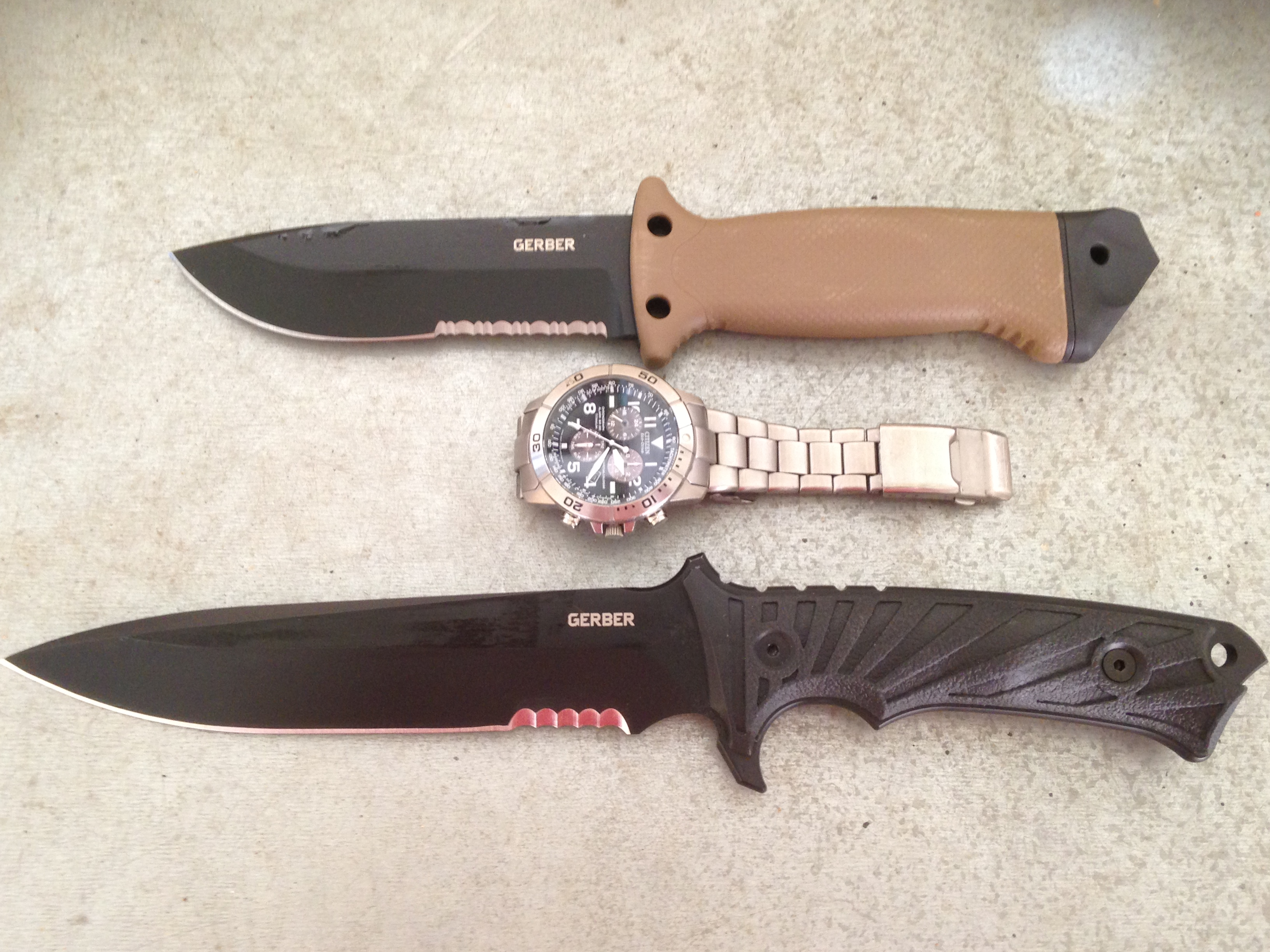 Survival knife vs combat knife kills