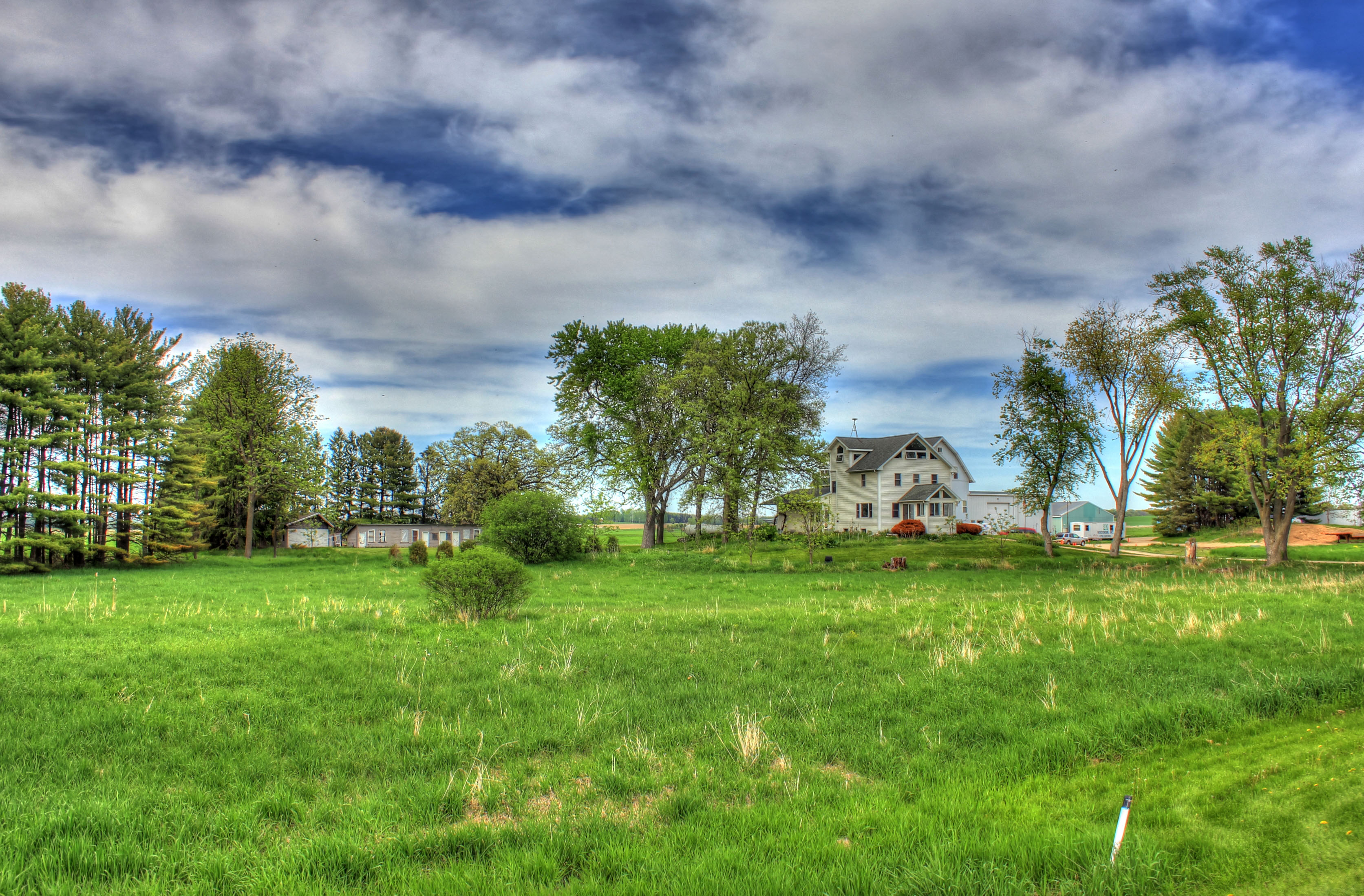 Landscape Houses file:gfp-southern-wisconsin-landscape-blue-sky-and-houses