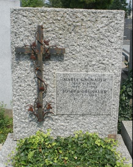 Grab von Maria Nemeth-Grünauer
