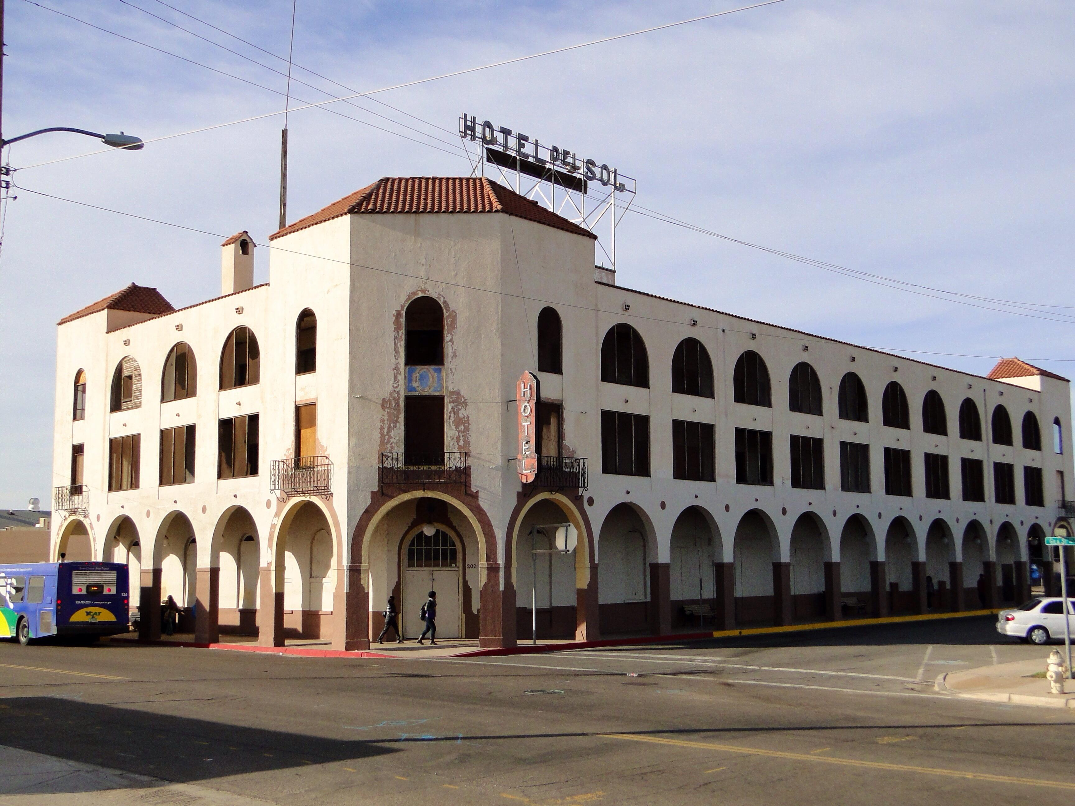 File hotel del ming hotel del sol yuma wikipedia for Hotel del sol